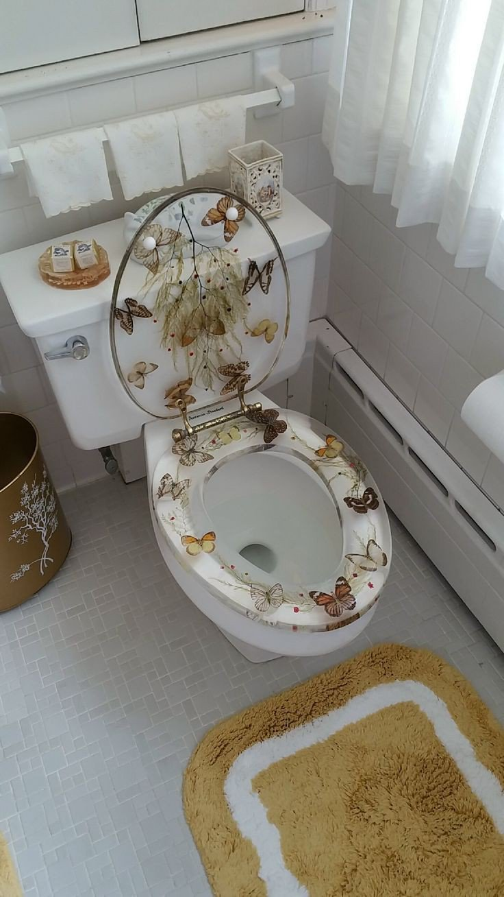 Butterfly customized toilet seat