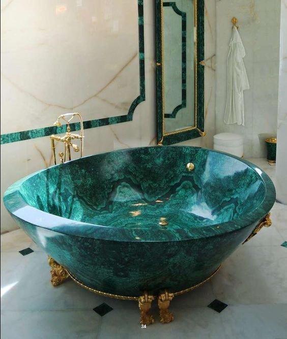 Emerald super-sized bathtub