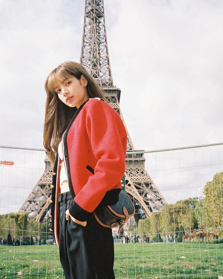 Blackpink's Lisa edition; cringy kpop fans'photoshops