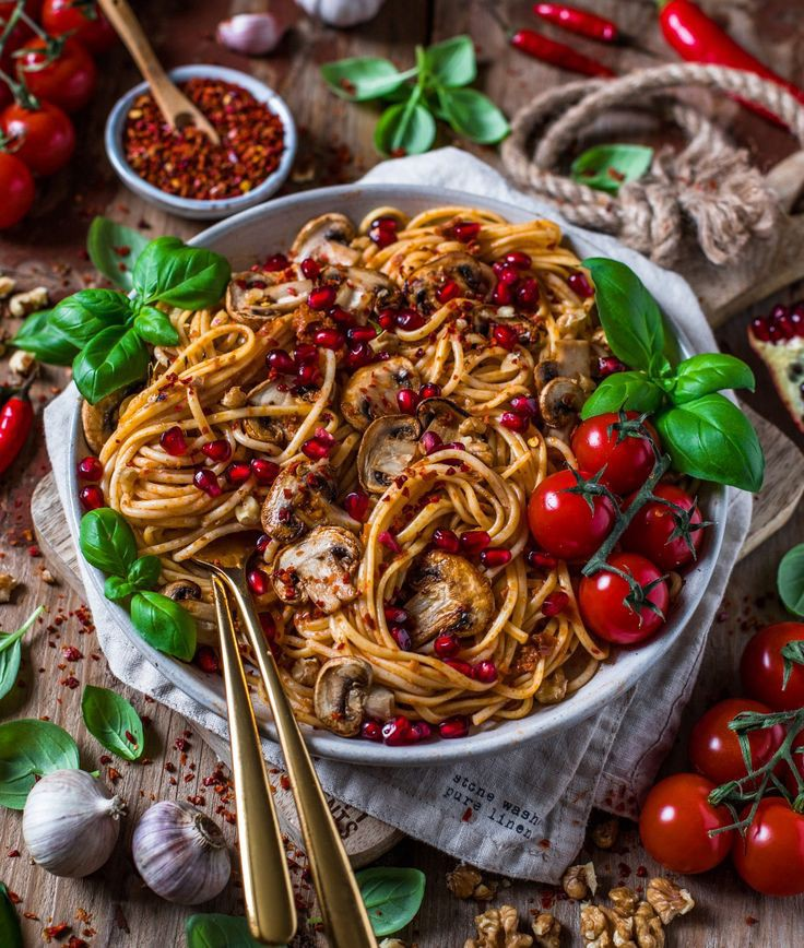 Pasta and sauce binding